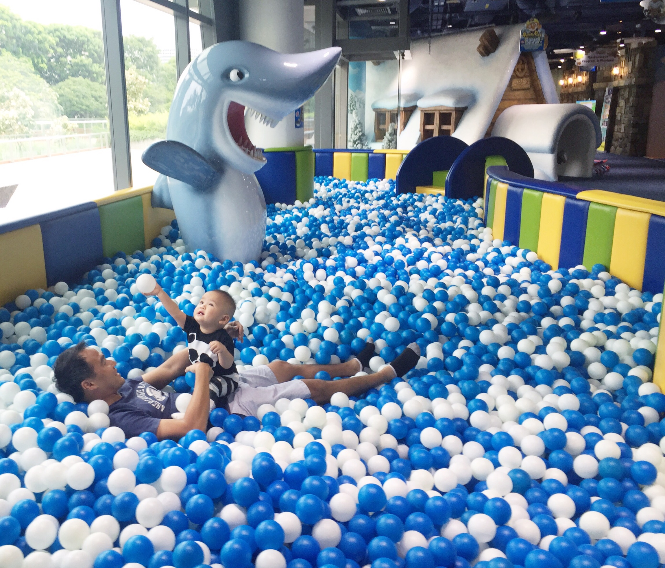 Pororo park singapore indoor amusement park for toddlers for Ball pits near me